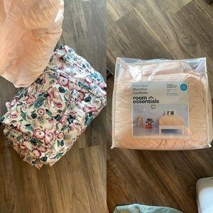 Twin XL Blush Pink Comforter & Floral Sheet Set